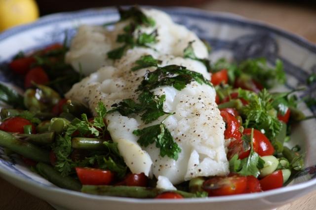 salade de cabillaud aromates haricots verts et tomates blog de cuisine de l 39 amap belles. Black Bedroom Furniture Sets. Home Design Ideas