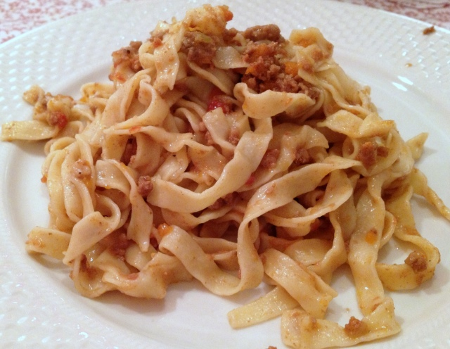 Tagliatelle al ragu00f9 (pas des spaghetti :-) ) recette ...