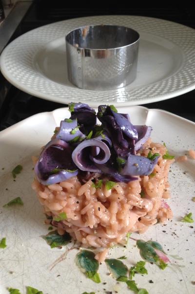 Risotto aux calamars rose et bleu violet 1