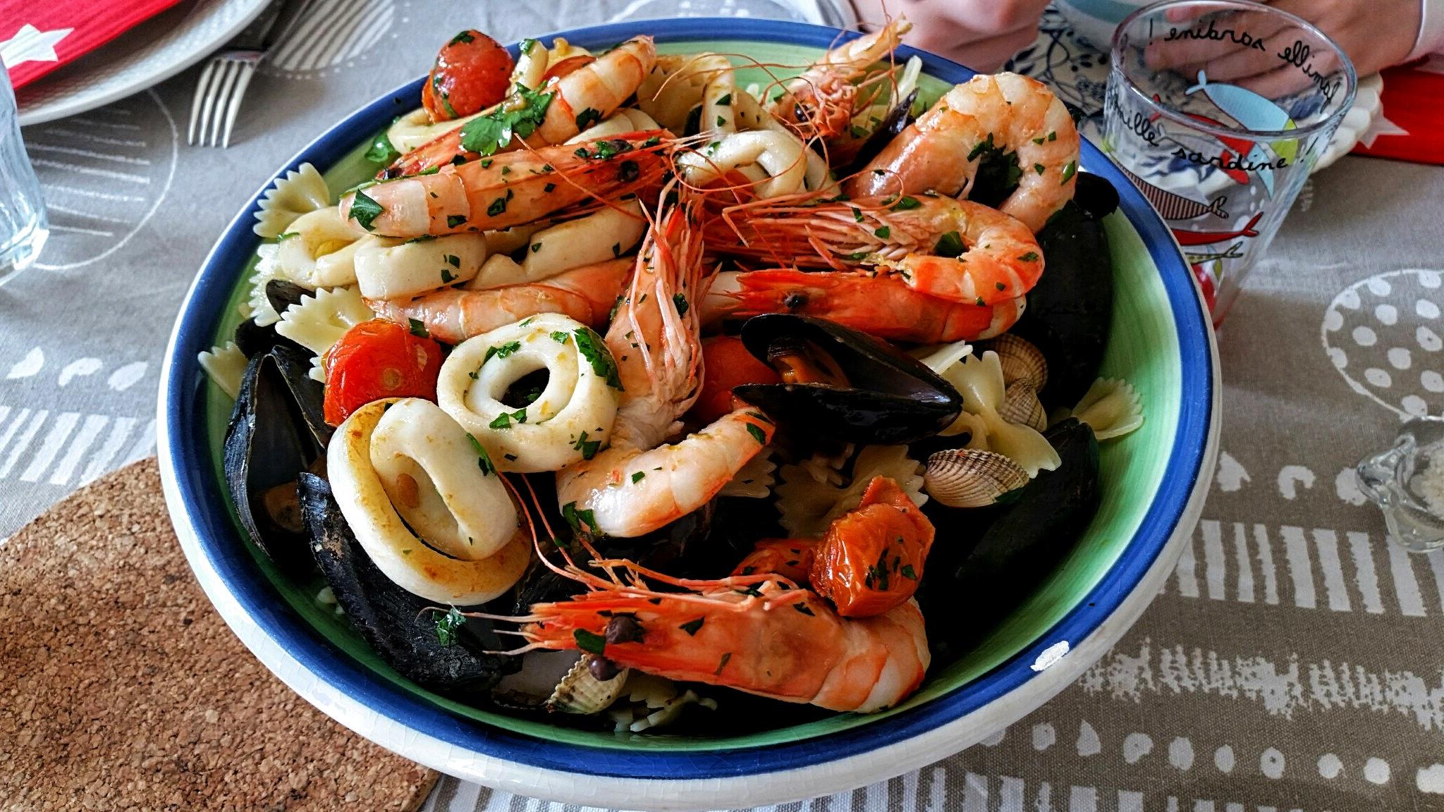 P te facile du march du dimanche aux fruits de mer blog de cuisine de l 39 amap belles fontaines - Pates aux fruits de mer vin blanc ...